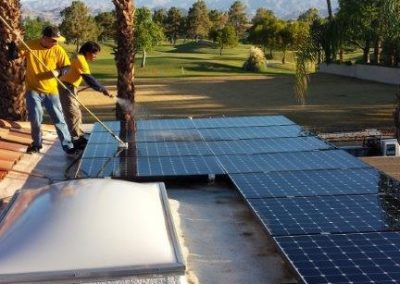 solar-panel-cleaning-01