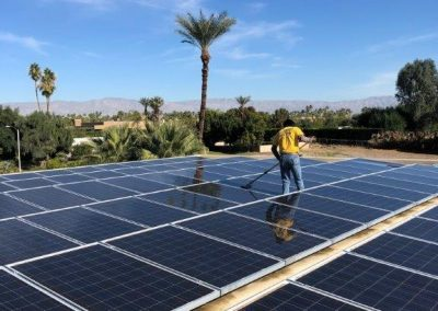 solar-panel-cleaning-02